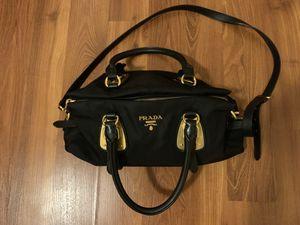 Like new! PRADA purse for Sale in Los Angeles, CA