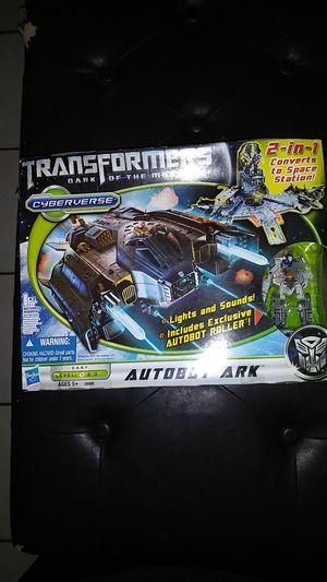 Hasbro Transformers: Dark of the Moon: Autobot Ark Action Figure for Sale in Turlock, CA