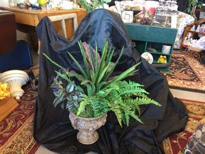 """Faux Plant with Quality Decorative Vase Urn w/ Acorns & Greenery 22"""" X 22"""" X 30"""" for Sale in Manitou Springs, CO"""
