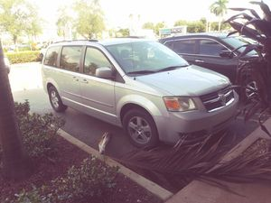 Dodge Caravan sxt 2010 for Sale in Miami, FL