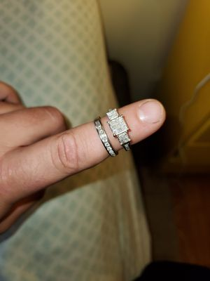Engagement ring and wedding band for Sale in East Hartford, CT