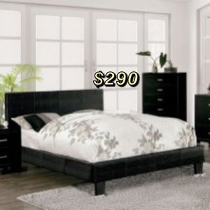 QUEEN BED FRAME AND MATTRESS INCLUDED for Sale in Compton, CA