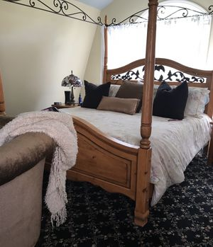 King Bedroom Set for Sale in West Palm Beach, FL