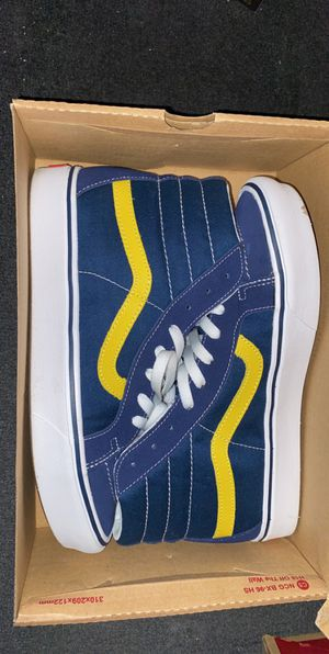 Vans Dark blue/yellow comfy fit for Sale in Fresno, CA