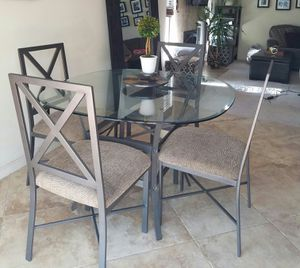 Dining set (Table and 4 chairs - Excellent condition!) for Sale in San Diego, CA