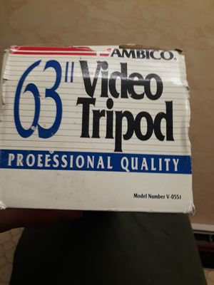 """Ambico 63""""Video Tripod Model V-0551 for Sale in Hope Valley, RI"""