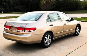 Price $$6OO Honda Accord 2004 One Owner! Excellent Condition for Sale in Phoenix, AZ