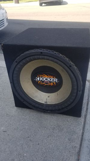 Kicker sub size 15 for Sale in Bellflower, CA