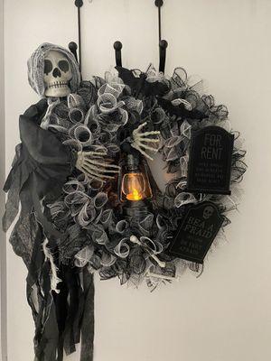 Grave Keeper for Sale in Miami, FL