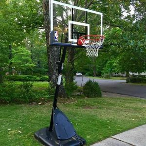 Spaulding NBA Basketball Hoop New In Box Free Shipping for Sale in Pine Castle, FL