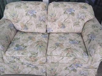 Loveseat for Sale in Hudson,  FL