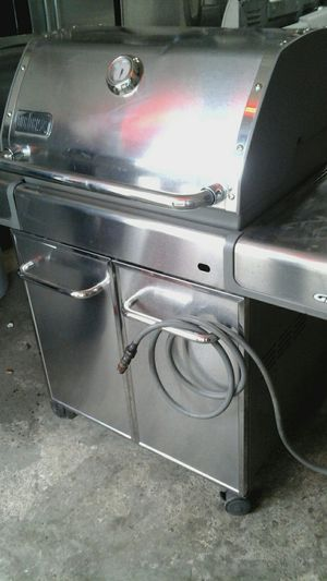 Webber Genesis grill for Sale in Chicago, IL