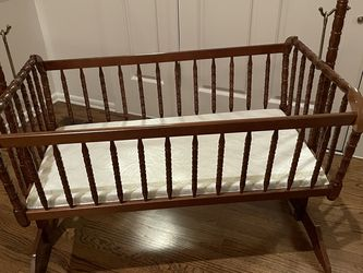 Baby Cradle /Bassinet for Sale in Issaquah,  WA