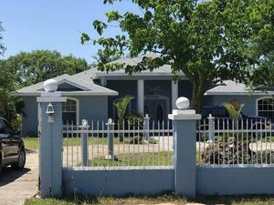 4/3 home build 2000 one owner for Sale in Frostproof, FL
