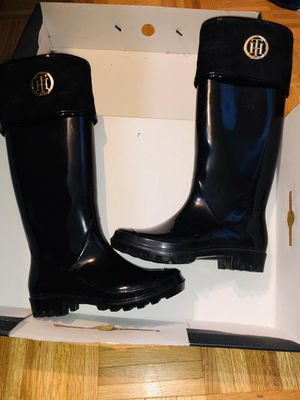 Tommy Hilfiger rain boots for Sale in Fort Worth, TX