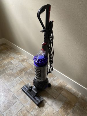 Stain DC65 Animal Plus Vacuum for Sale in Portland, OR