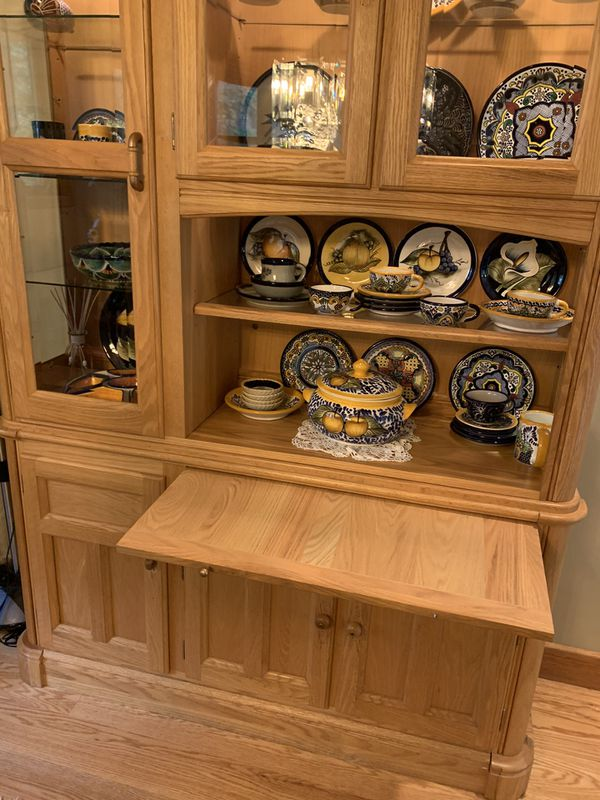 China cabinet, solid wood, with lights