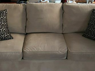 White Microfiber Couch/ Sofa for Sale in Cranberry Township,  PA