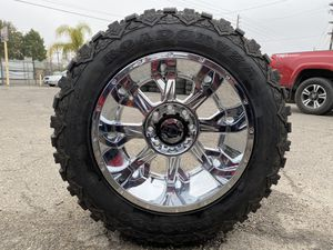 20x12 chrome 8x170 with 35125020 mud tires for Sale in Modesto, CA