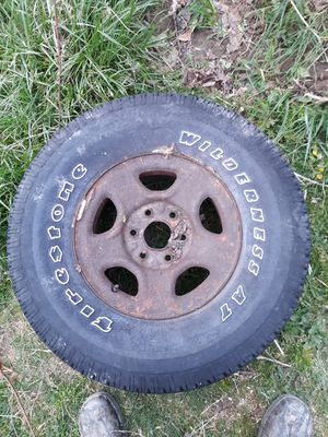 Chevy tire for Sale in Coal City, WV