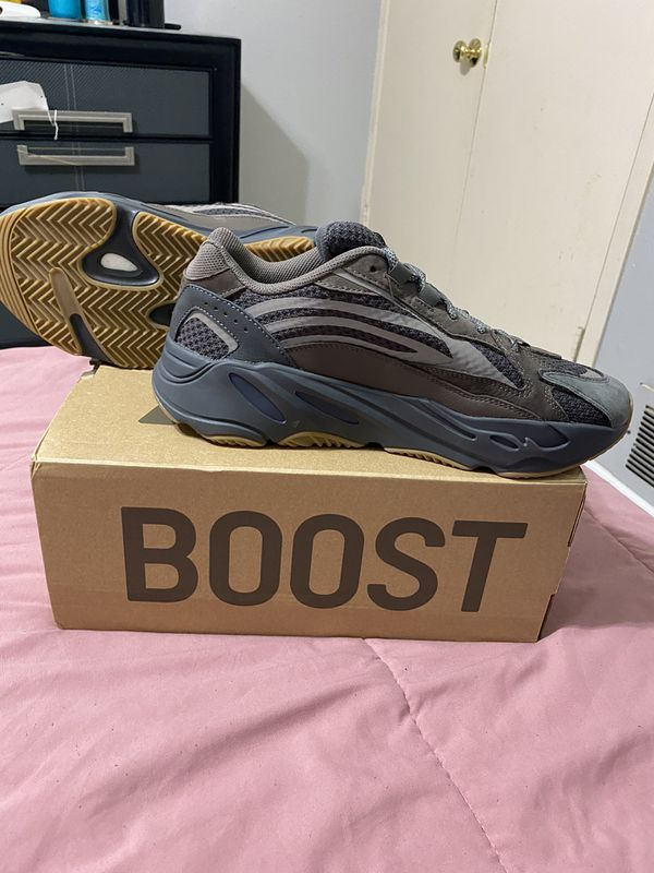 ADIDAS YEEZY BOOST 700 V2 GEODE SIZE 11