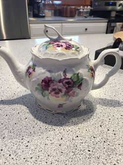 Crown Dorset Teapot for Sale in Evans City,  PA