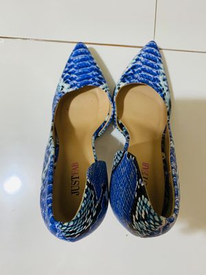 women's shoes. Dressed once. Size 9 for Sale in Brooklyn, NY