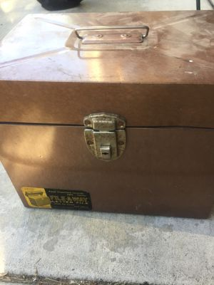 Metal box for Sale in Rancho Cucamonga, CA