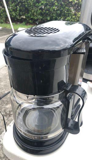 COFFEE MAKER for Sale in Pompano Beach, FL