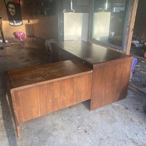 Wooden L Shape Desk for Sale in Alexandria, LA