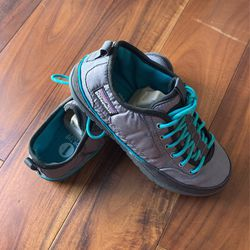 Patagonia Women's Shoe Size 7 for Sale in Westminster,  CA