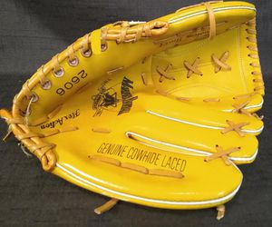 Vintage 70's Seattle Mariner's Genuine Baseball Glove for Sale in Tacoma, WA
