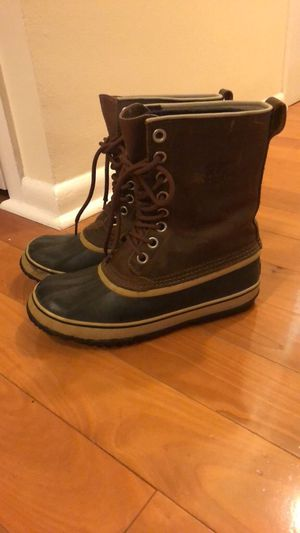 Sorel snow boots barely worn, size 9 for Sale in Philadelphia, PA