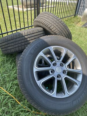 "18"" Jeep wheels basically new for Sale in Austin, TX"
