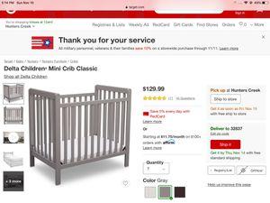 Like New mini crib for Sale in Orlando, FL