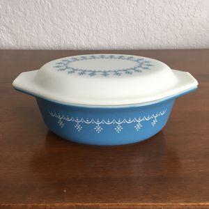 Pyrex casserole dish, snowflake garland design , 1 1/2 quart for Sale in Davie, FL