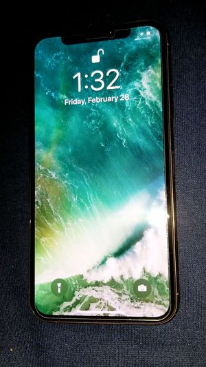 Iphone XS 256gb Rose GOLD UNLOCKED for Sale in Bakersfield, CA