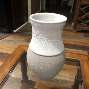 Ceramic Vase White And Dark Beige 10 Inches Tall 5 Inches Wide (flowers Not Included) for Sale in Port St. Lucie, FL
