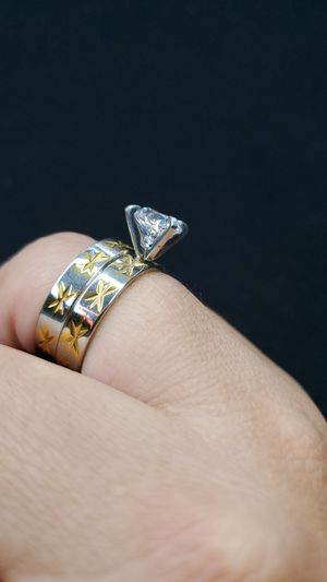 Stainless steel rings size 8 $25 for Sale in Los Angeles, CA