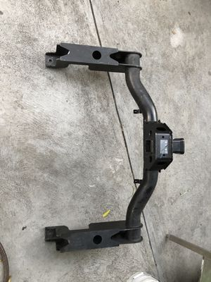 Tow hitch Chevy 2500 HD / GMC SIERRA HEAVY DUTY for Sale in Huntington Park, CA