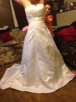 Michael Angel Wedding Dress for Sale in Bellaire, OH