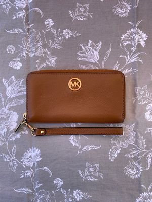 Authentic Michael Kors wallet for Sale in Fremont, CA