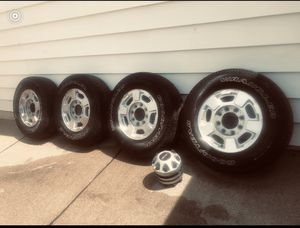 8 lugs Rims/Tires 245/75/17 for Sale in Lincoln Park, MI