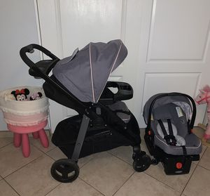 Graco travel set & Skip hop diaper bag for Sale in Phoenix, AZ