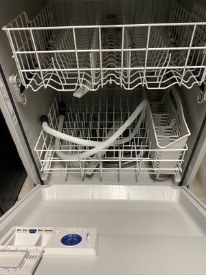 Whirlpool Dishwasher for Sale in Fresno, CA