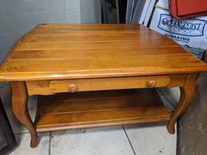 Beautiful 3 piece set living room tables for Sale in Vernon, CA