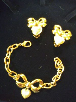 Bracelet and earing Elizabeth Talyor for Sale in Queens, NY