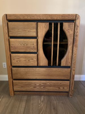 Oak Gentleman's Chest 5 Drawers & 2 Shelves w/ Glass Doors for Sale in Temecula, CA