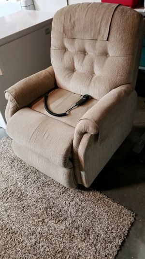 Lift/Recliner Chair for Sale in Oceanside, CA