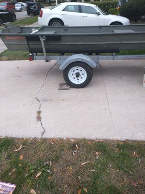 10ft boat for sale. Trailer not for sale just boat for Sale in Chicago, IL